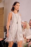 "Bella Hadid ""Bottega Veneta show, Runway, Spring Summer 2018, Milan Fashion Week"" 23.09.2017 (x12) 5w6qWPeo_t"