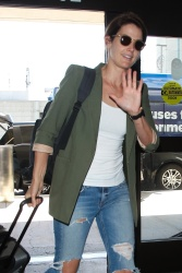 Cobie Smulders - Arrives at LAX Airport 10/4/17