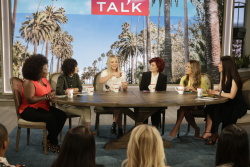 Kaley Cuoco - The Talk: September 25th 2017