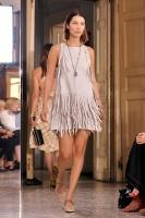 """Bella Hadid """"Bottega Veneta show, Runway, Spring Summer 2018, Milan Fashion Week"""" 23.09.2017 (x12) R2IGbibz_t"""