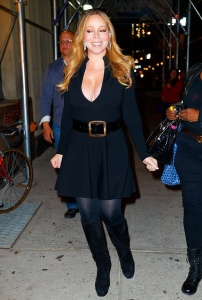 Mariah Carey - Showing Off Cleavage In A LBD Out In NYC (10/20/17)