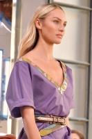 "Candice Swanepoel ""Bottega Veneta show, Runway, Spring Summer 2018, Milan Fashion Week"" 23.09.2017 (x8) 4e5RzWHm_t"
