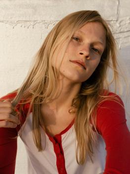 Zoe Louis | the Fashion Spot
