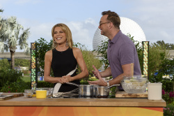 Vanna White - The Chew: October 9th 2017